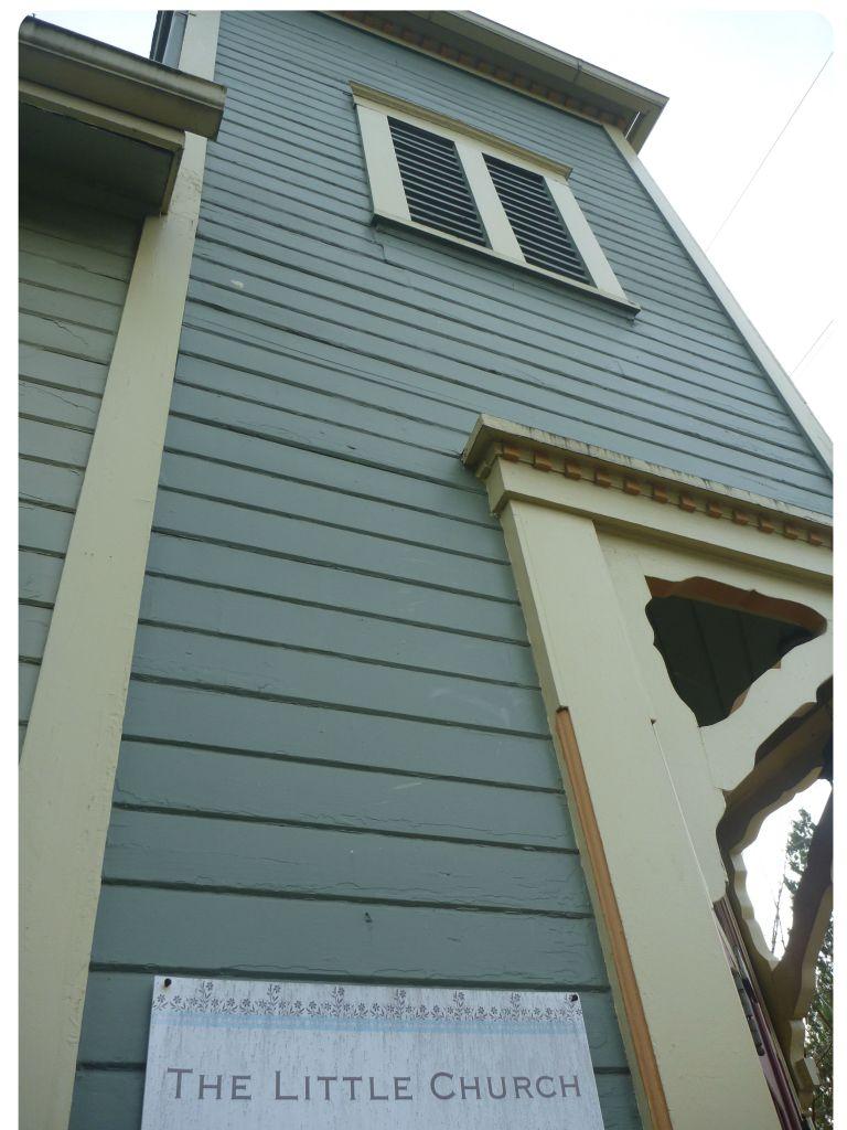 P1050658 the ittle church portland